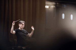 Esa-Pekka Salonen conducting.