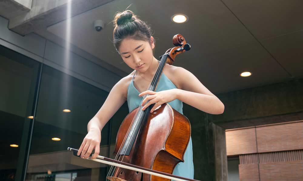 Music Academy cellist