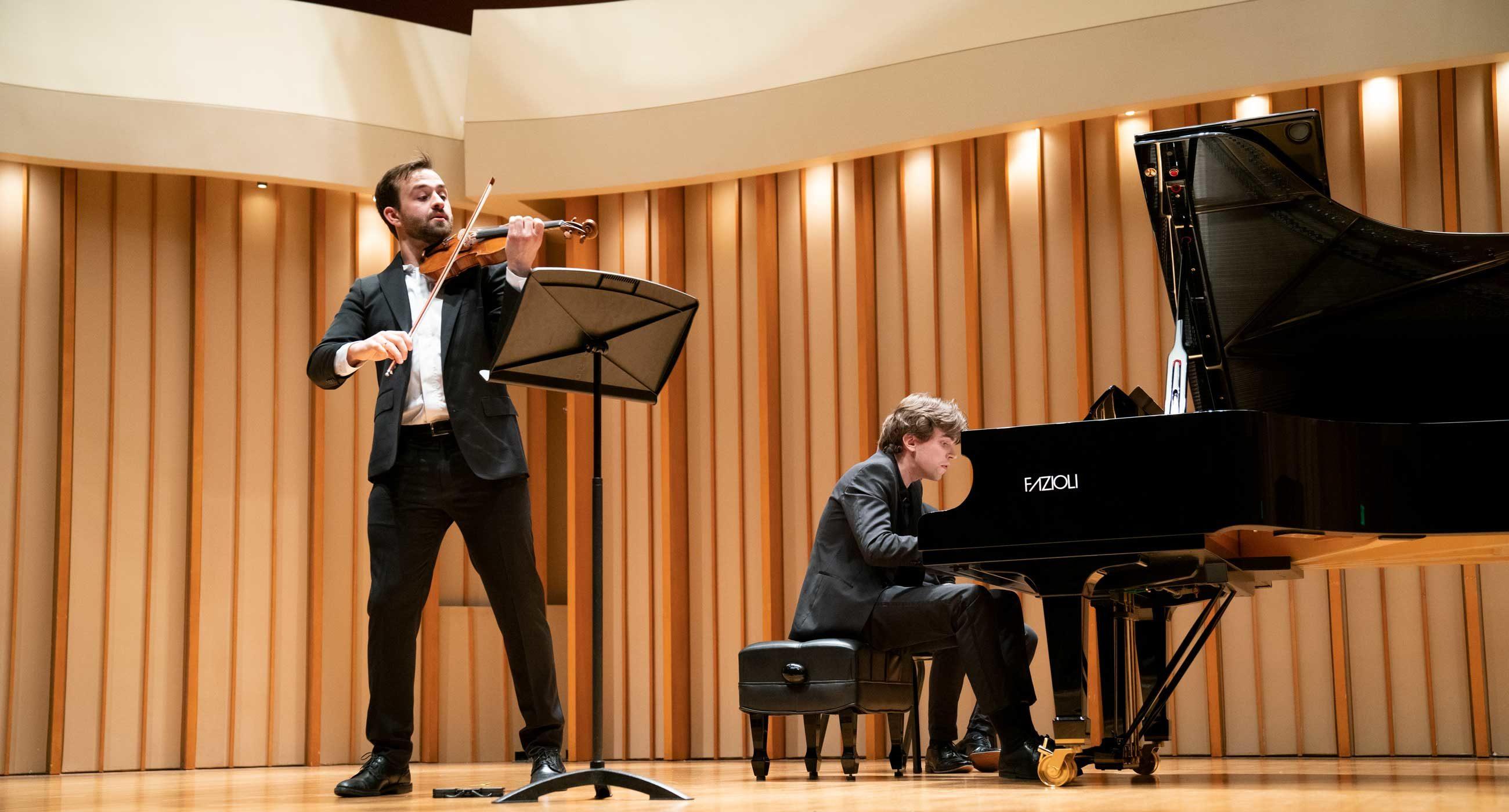 William Hagen and Albert Cano Smit perform