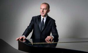Pianist Pedja Mužijević